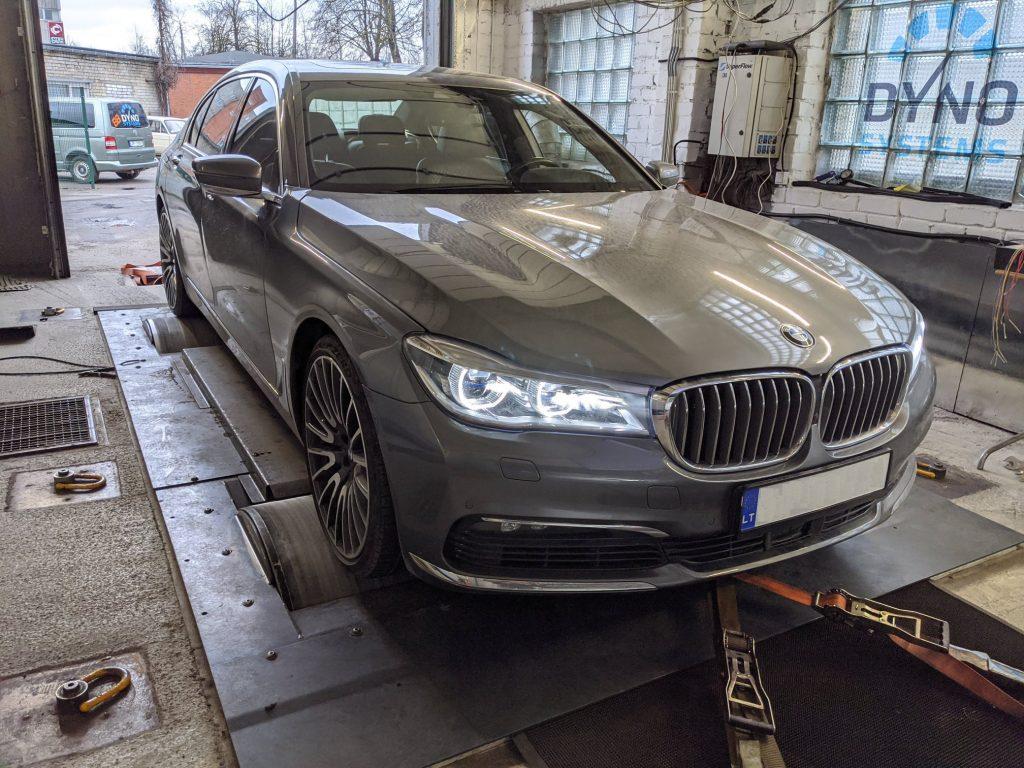 BMW 750i G12